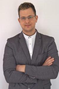 Co-founder Volantino Sicuro volantinaggio